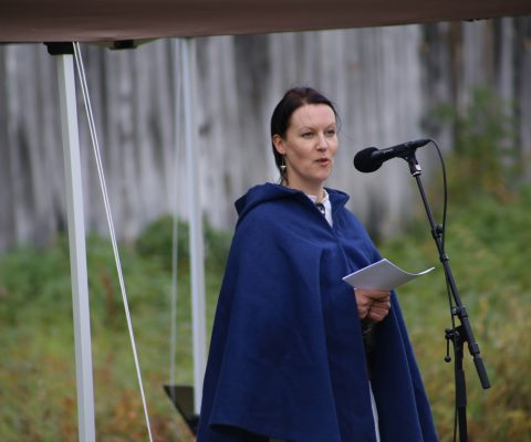 NKF-RK holdt en tale på fredningsmarkering av Sapen vanhakoulu og Tørrfoss gård